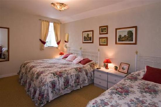 Breadalbane House: Ground-floor bedroom