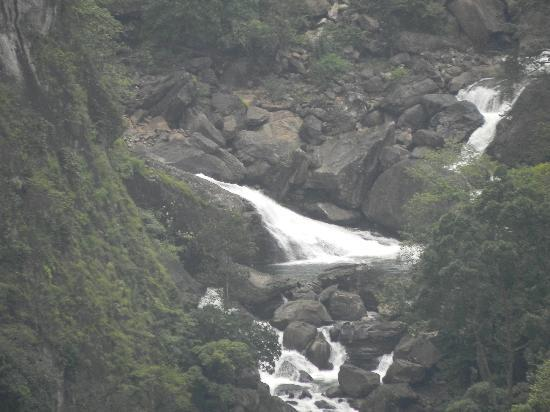 Rippon Mount Resorts: Milky white water falls