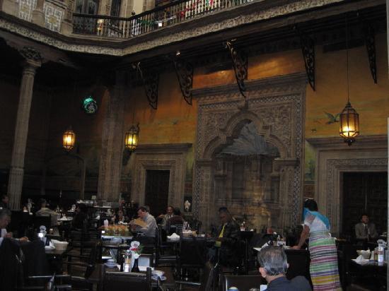 Exterior view picture of sanborns mexico city tripadvisor for Sanborns restaurant mexico