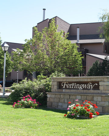 Ferringway Hotel Condominiums: Main entrance to Ferringway Condos