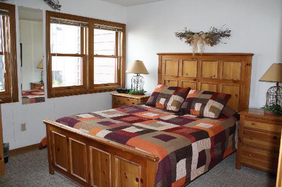 Ferringway Hotel Condominiums: Living area in 1 bedroom property