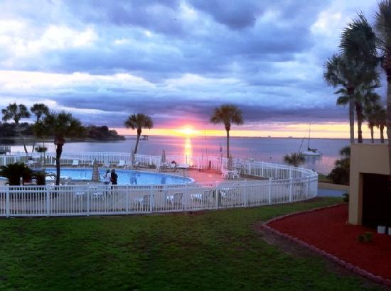 Quality Inn And Suites Florida Gulf Breeze Hotel Reviews Photos Price Comparison Tripadvisor