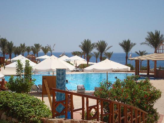 Sunrise Diamond Beach Resort: outside