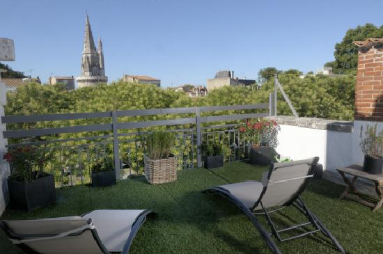 terrasse picture of un hotel en ville la rochelle tripadvisor. Black Bedroom Furniture Sets. Home Design Ideas