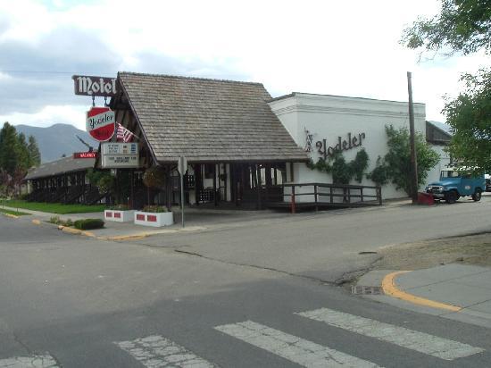 Yodeler Motel: Street View