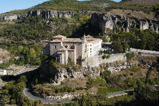 Parador de Cuenca: The parador from the upper city (ii)