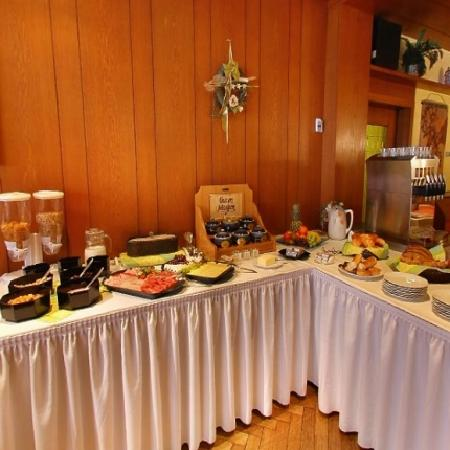 Weidhausen bei Coburg, Germany: Frühstücksbuffet