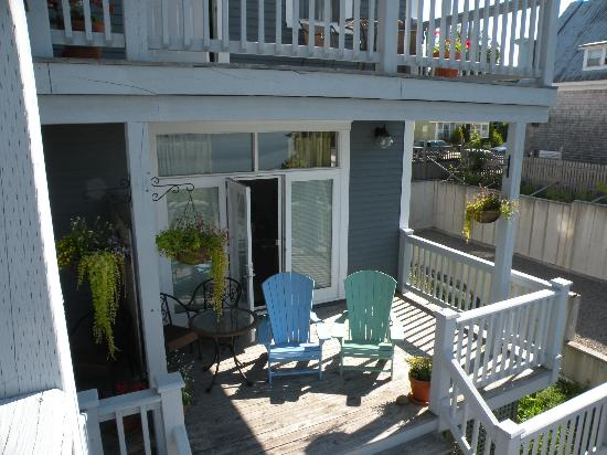 Treadwell Inn: The deck