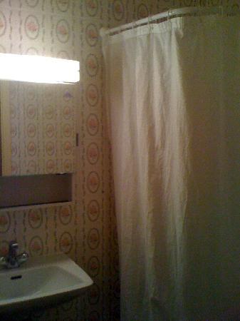 Hotel du Marche: doccia