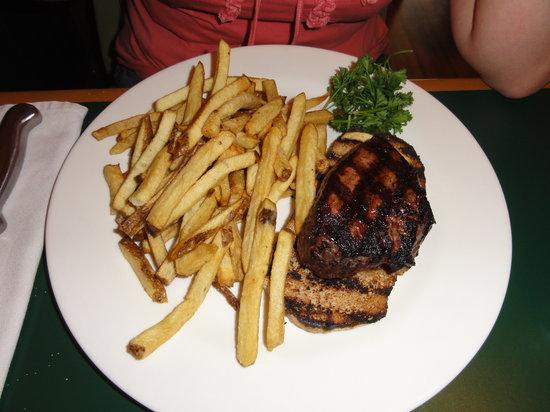 Juicy Lucy's Steakhouse: tenderloin steak