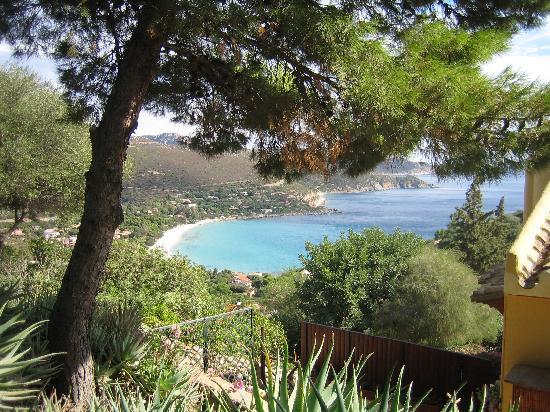Alchimissa B&B: Blick auf das Meer
