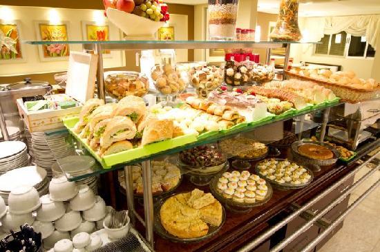 Del Rey Hotel: Breakfast