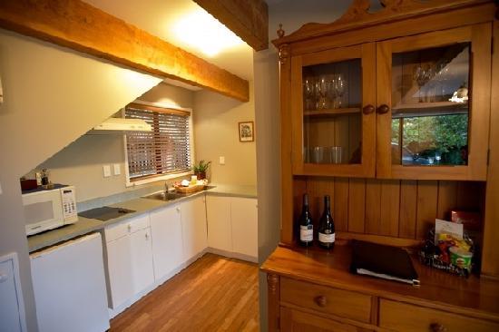 Akaroa Cottages - Heritage Collection: Kitchenettes