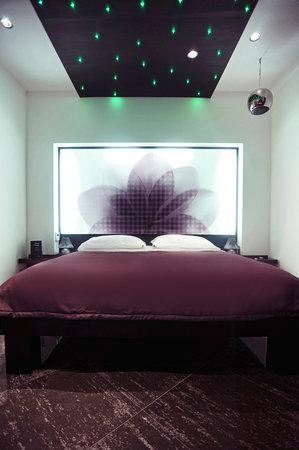 JC Hotel: suite