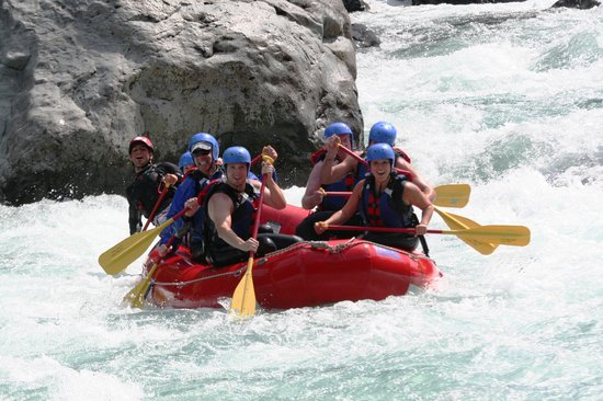 Outdoor Adventures Center - Day Tours : Whitewater Raft the Skykomish River