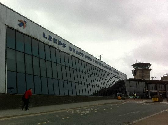 ลีดส์, UK: Leeds Bradford Airport