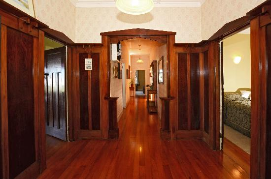 Kauri Nest B&B: hard wood panelling entrance