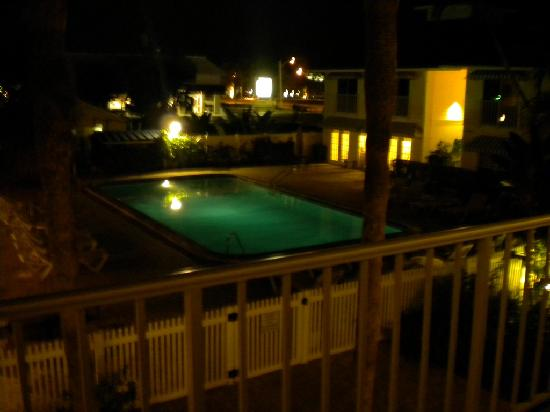 Naples Courtyard Inn: 1st Floor overlooking the pool