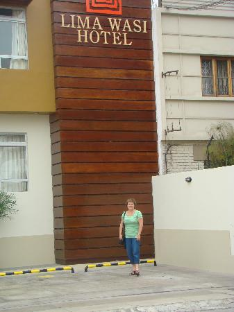 Lima Wasi Hotel: Front of the Lima Wasi