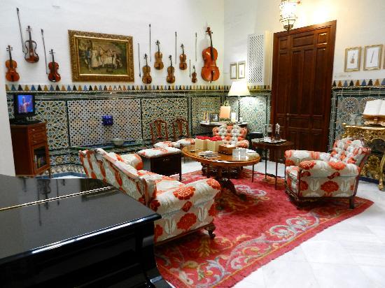 Hotel Amadeus: The main lobby