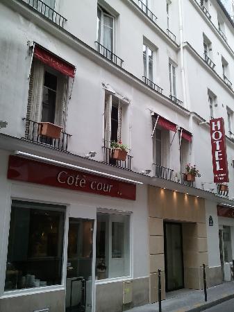 Hotel du Lion d'Or Louvre : Street View