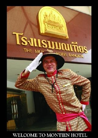 Montien Hotel Bangkok: Door man