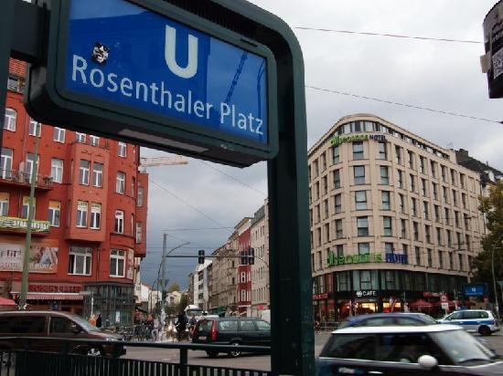 easyHotel Berlin Hackescher Markt: Metro cercano al hotel