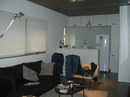 Hollywood Suites & Lofts: Room