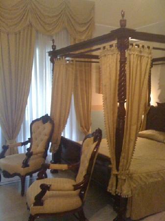 อาร์ตรีสอร์ทกัลเลเรียอุมเบอโต: Room 106
