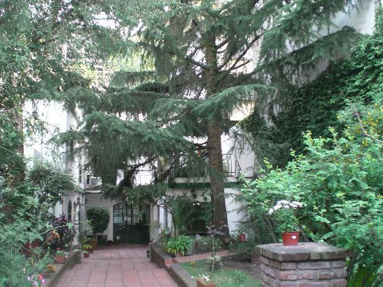 Caseron Porteno B&B: Courtyard