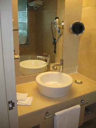 Crowne Plaza Hotel Ankara: Bathroom 1