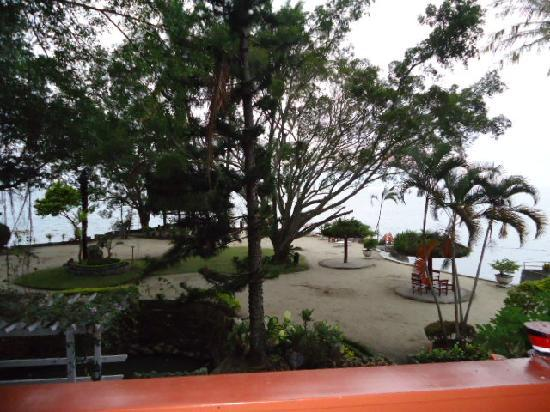 Samosir, Indonesia: View from one of the rooms overlooking the lake
