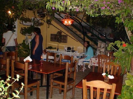 Antonio's Guest House: Ταβέρνα