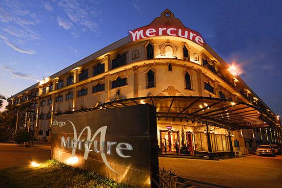 โรงแรม เมอร์เคียว เวียงจันทน์: Exterior