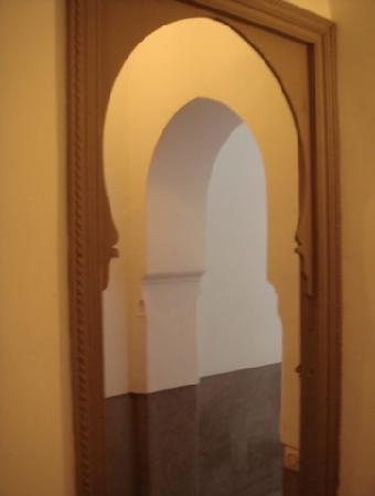Zaouia 44: Archs