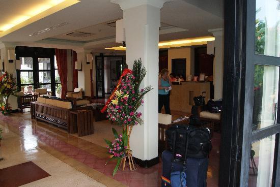 Villa Hue: The lobby