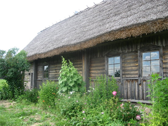 Minsk, Hviderusland: old farmstead and garden