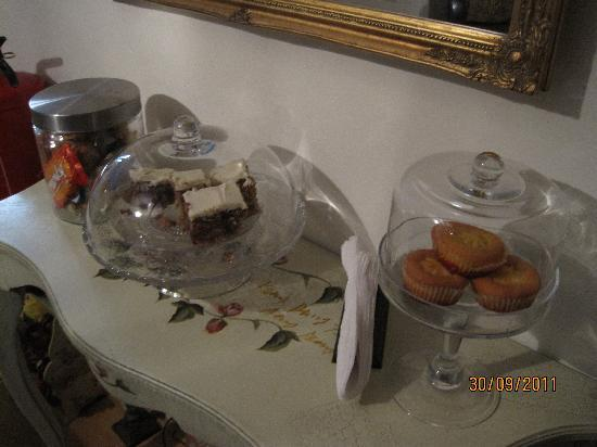 Boogaard's Bed and Breakfast: daily, baked goodies!