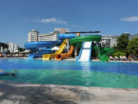 Sherwood Breezes Resort: Slides