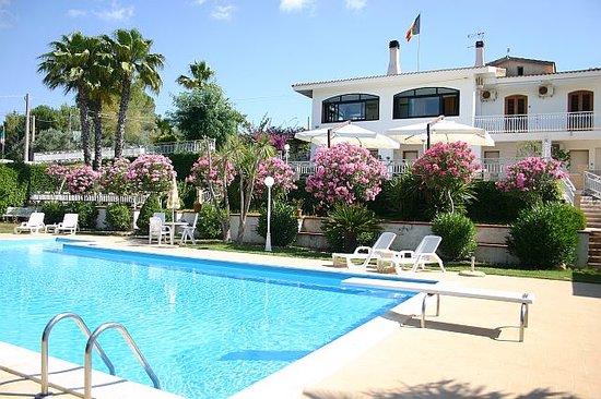 Hotel Villa Teresa: l'Albergo con la piscina