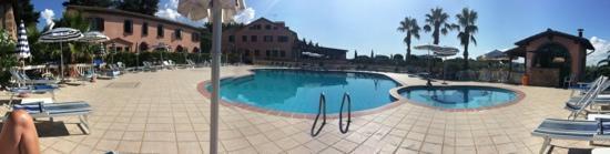 Agrihotel Elisabetta: bei Luigi am Pool