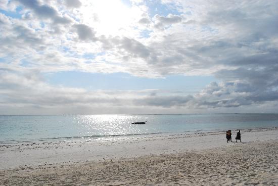 Neptune Pwani Beach Resort & Spa: Spiaggia