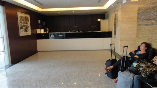 Value Hotel Balestier: Hotel lobby