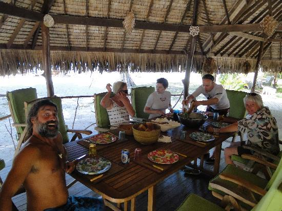 Blue Heaven Island lodge: a table