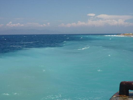 Nafsika Hotel: Miren lo que es el agua....