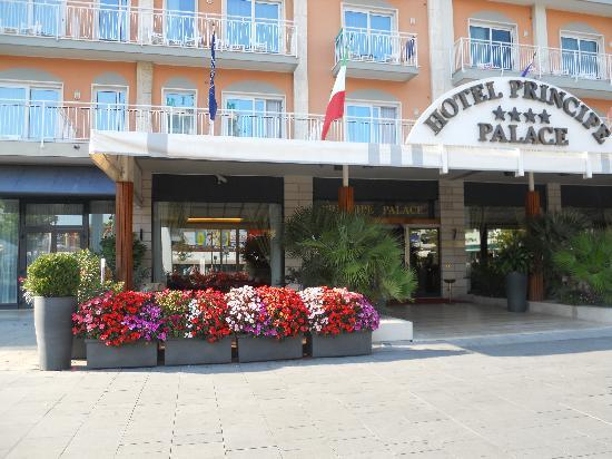 Hotel Principe Palace: front of the hotel