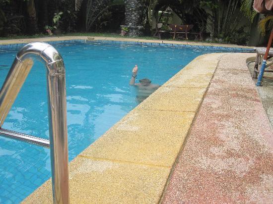Sabai Mansion: Skönt i poolen