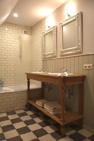 Droomkerke B&B: a bathroom