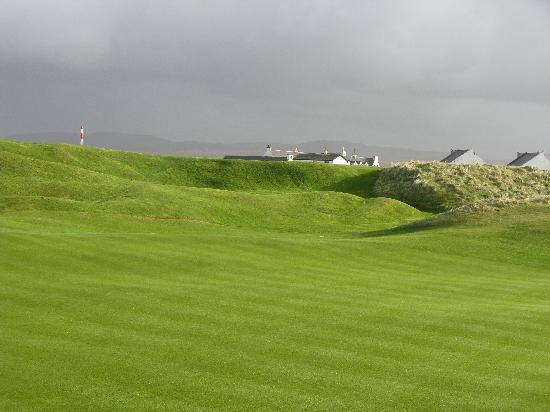 """An Taigh Osda : If you are into golf - play The Machrie - on """"wee beastie"""" of a course!"""
