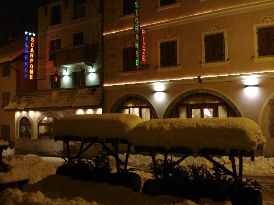 Hotel Restaurant Pizzeria Scarpone : esterno